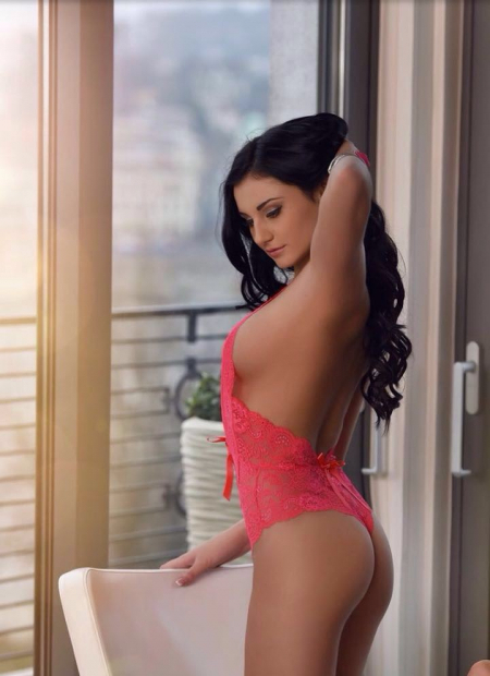 Escort  LERA from Hong Kong